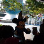 ディズニーシー開演前のミッキーマウス