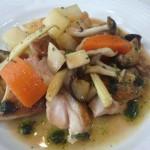 レストランアンフィートリヨンの若鶏のソテー