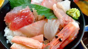 糸魚川市魚がしランチ海鮮丼