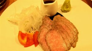 小千谷市総合産業会館サンプラザ1階Dining Booth一氣ローストビーフ